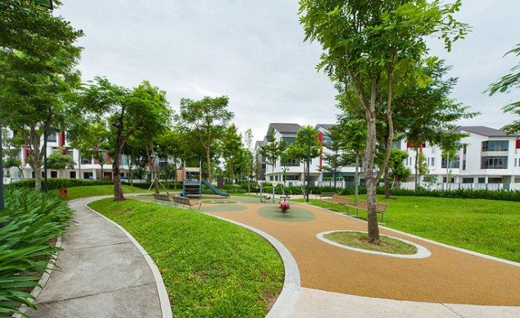 Không gian xanh thoáng đãng xung quanh biệt thự liền kề Gamuda