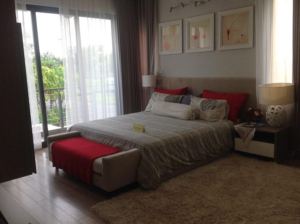 Góc View phòng ngủ rộng với không gian xanh ngay bên cửa sổ