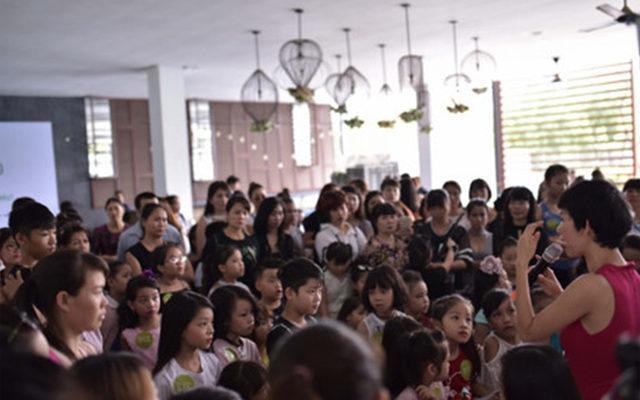 Rất đông phụ Huynh đưa trẻ đi thi thời trang
